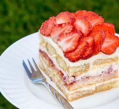 Tiramisu sa jagodama: Sočna, kremasta i božanstvena poslastica! Flan, No Bake Desserts, Diy Food, Vanilla Cake, Cheesecake, Food And Drink, Tartan, Sweets, Cooking