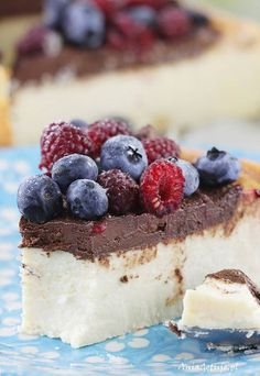 Sernik z mascarpone. Cheesecake with mascarpone. Cake Recipes, Dessert Recipes, Food Cakes, No Bake Cake, Delicious Desserts, Food To Make, Sweet Tooth, Sweet Treats, Food And Drink