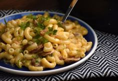Kolbászos-sajtos tészta Pasta Salad, Macaroni And Cheese, Bacon, Ethnic Recipes, Food, Crab Pasta Salad, Mac And Cheese, Essen, Meals