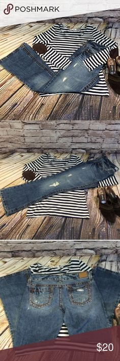 """SZ 3/4 AEROPOSTALE HAILEY SKINNY FLARE JEANS Nice factory distressed jeans with wide contrast stitching. Lying flat Waist 15"""" inseam 29"""" Aeropostale Jeans Flare & Wide Leg"""