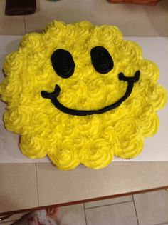 Smiley Face cupcake cake....