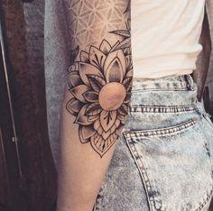 Elbow Tattoos, Mini Tattoos, Love Tattoos, Body Art Tattoos, Simple Arm Tattoos, Unique Tattoos, Cute Tattoos For Women, Butterfly Tattoos For Women, Tattoo Designs For Women