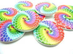 5 x Rainbow Buttons Large Buttons Bright by treasuresinmeasures Rainbow Swirl, Large Buttons, Sewing A Button, Project Yourself, Wood Colors, Birthday Candles, Craft Projects, Jewelry Making, Bright