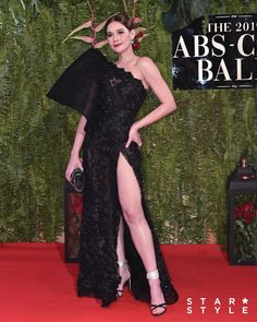 The 15 Best-Dressed Celebrities at the ABS-CBN Ball 2019 - Star Style PH Filipina Actress, Filipina Beauty, Michael Cinco Gowns, Miss Universe Gowns, Modern Filipiniana Gown, Filipino Fashion, Reception Gown, Celebrity Dresses, Looking Stunning