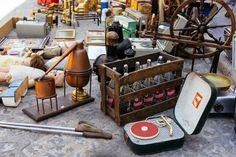 El Rastro is Madrid's traditional flea market. Every Sunday on the streets of the Madrilenian quarter of La Latina.
