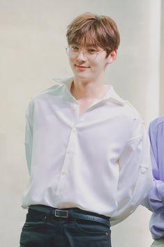 Minhyun wanna one Busan, Shanghai, Nu Est Minhyun, Time Of Our Lives, Fandom, Fashion Mag, Kim Jaehwan, Ha Sungwoon, I Love Bts