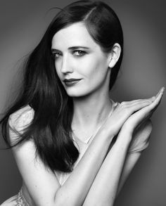 """Eva Green.Not too much make-up,no """"Hollywood-hair-effect"""" or overdone styling.  Natural,chic,effortless. FRENCH."""