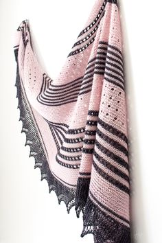 Ravelry: Daydreamer shawl in Lanitium ex Machina hand dyed yarn - knitting pattern by Janina Kallio.
