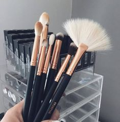 Shared by Zahraa A. Find images and videos about beauty, makeup and Brushes on We Heart It - the app to get lost in what you love. Rose Gold Makeup, Love Makeup, Beauty Makeup, Makeup Aisle, Expensive Makeup, Makeup Swatches, Makeup Morphe, Brush Sets, Makeup Brush Set