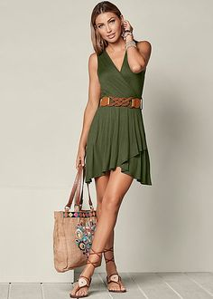 41 Cute And Popular Girly Outfits Ideas Suitable For Every Woman Trendy Outfits For Teens, Girly Outfits, Classy Outfits, A Elite, Lace Up Gladiator Sandals, Formal Dress Shops, Trendy Fashion, Womens Fashion, Fashion 101
