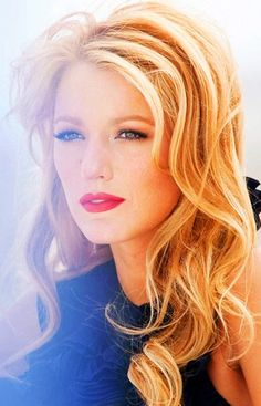 Blake Lively changes up her color and still looks pretty! #Celebrity #Hairstyle