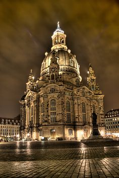 Dresden Frauenkirche ~  Built in the 18th century. A masterpiece of Baroque architecture!