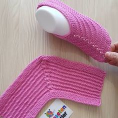 Çok cici pratik hemen giymelik iki şişle yapılan bir bebek botu olduk biz nasılız.. Videolu detaylı anlatımı #youtubegülümsetenmarifetler… Baby Cardigan Knitting Pattern, Knitting Socks, Free Knitting, Baby Knitting, Knitting Patterns, Crochet Patterns, Crochet Slipper Pattern, Crochet Shoes, Crochet Ripple