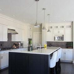 White Kitchen Dark Island does anyone have river white or monte bello granite? pics please