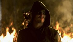 'Arrow' Season 4 Official Synopsis, Plus Stephen Amell Says 'The Arrow Persona Can't Exist Anymore'