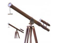 Günümüzde ev dekorasyonu, hediyelik eşya, kuş İzleme vb alanlarda alıcı bulan Antik Ahşap Teleskop, 165 cm yüksekliğiyle aşağı yukarı bir insan uzunluğu kadardır.