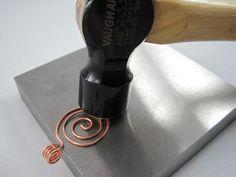 hammering wire jewelry