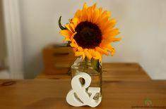 A sunny sunflower on my desk - Garden & Decoration Perfect Eyes, Some Ideas, Summer Flowers, Glass Bottles, Flower Arrangements, Desk, Table Decorations, Garden, Floral Arrangements