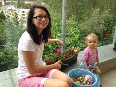 Pomáháma mámě s kytičkama