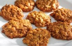 biscotti avena e frutta (two ingrediets oatmeal cookies) Healthy Breakfast Muffins, Breakfast Pancakes, Breakfast Bake, Breakfast Crockpot Recipes, Oatmeal Recipes, Baking Recipes, Dog Food Recipes, Baking Ideas, Vegetarian
