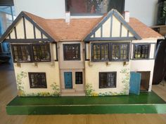 Mystery Houses... - Dolls' Houses Past & Present
