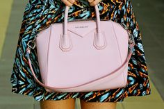 Cute for the summer- Givenchy Givenchy Antigona, Cute Bags, Clutch Bag, Pink Dress, Buy Now, Purses And Bags, Street Style, Stuff To Buy, Accessories
