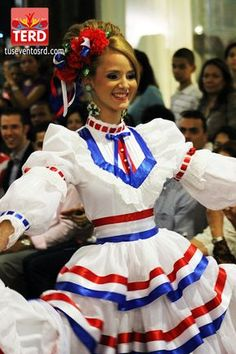 Caribbean Carnival Costumes, Disney Princess Outfits, Costumes Around The World, Character Costumes, Look Younger, Folk Costume, Dominican Republic, Traditional Dresses, Costume Design
