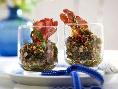 Pilztatar im Glas mit Parmaschinkenchip