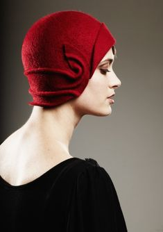 Wow this is just gorgeous.  What a beautiful swirling hat!  Amilia - red felt cloche