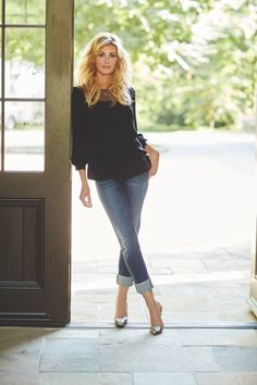 Faith Hill's Favorite Beauty Favorites - Hair The Beauty Authority - NewBeauty Beautiful Celebrities, Beautiful People, Beautiful Women, Country Female Singers, Tim Mcgraw Faith Hill, Tim And Faith, Eliana, Penelope, Best Jeans
