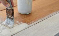 meubles vintage à faire soi-même: couvrez de peinture blanche