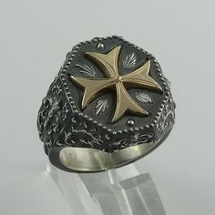 Caballero Templario Fleur De Lis oro 14K y plata Cruz de Malta Biker ring 20 gramos, Mens, artesanal rústico acabado antiguo