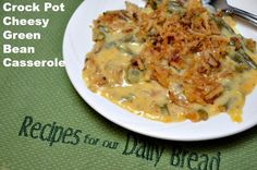 Pot Cheesy Green Beans - How do I make my Green Beans even better without using my oven? I use my crock pot and add plenty of cheese to make this Crock Pot Cheesy Green Beans. Greenbean Casserole Recipe, Casserole Recipes, Crockpot Recipes, Cooking Recipes, Ninja Recipes, Atkins Recipes, Cooking Ideas, Food Ideas, Crockpot Green Beans
