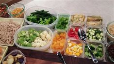 Vinaigrettes pour les salades en pot | Marina Orsini | ICI Radio-Canada.ca Marina Orsini, Pots, Mayonnaise, Salads, Bbq, Spaghetti, Chicken, Salad Dressings, Sauce