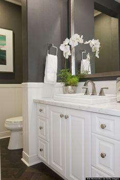 Fantastic Minimalist White Bathroom Remodel Ideasl 13