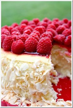 Toasted coconut & raspberry cheesecake