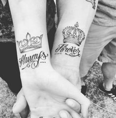 Couples like to have matching tattoos and the most popular and recommended design is King and queen tattoos. There are many variations in King and Queen Tattoos with each design holding its special meaning. King Queen Tattoo, King Tattoos, Daddy Tattoos, Friend Tattoos, Body Art Tattoos, King Crown Tattoo, Tattoos Partner, Marriage Tattoos, Relationship Tattoos