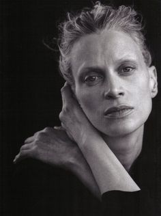 Kristen McMenamy portrait by photographer Peter Lindbergh, I get such a strong sense of pride and vitality from her pose and expression here