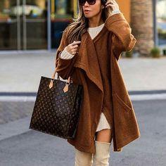 Streetstyle via @world_fashion_styles @lolariostyle ❤Check link in bio.