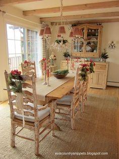 Pretty Christmas dining room