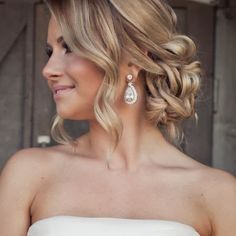 Love Wedding hairstyles for medium length hair? wanna give your hair a new look ? Wedding hairstyles for medium length hair is a good choice for you. Here you will find some super sexy Wedding hairstyles for medium length hair, Find the best one for you, Fancy Hairstyles, Bride Hairstyles, Hairstyle Photos, Hairstyle Ideas, Bridesmaid Hairstyles, Beach Wedding Hairstyles, Medium Length Wedding Hairstyles, Sweet 16 Hairstyles, Strapless Dress Hairstyles
