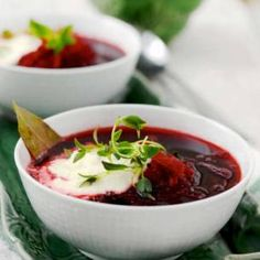Rödbetsoppa med pepparotskräm