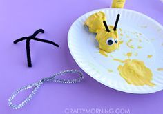 Egg Carton Bumble Bee Craft for Kids - Crafty Morning Bee Crafts For Kids, Arts And Crafts, Egg Carton Crafts, Toddler Learning Activities, Bee Theme, Art Plastique, Easter Crafts, Crafty, Projects