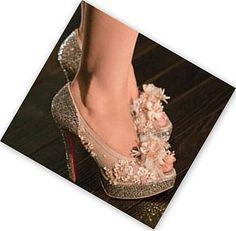 нарезать туфли лабутен из бурлеска фото подходят практически под