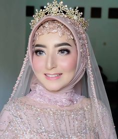Muslimah Wedding Dress, Muslim Wedding Dresses, Hijab Bride, Bridal Makeup Looks, Wedding Makeup, Wedding Hijab Styles, Wedding Dressses, Fantasy Gowns, Wedding Looks
