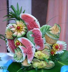 Isn't it strange how little kids are told not to play with your food but grown men and women play with it to make amazing sculptures (fruit art kids watermelon carving) L'art Du Fruit, Deco Fruit, Fruit Art, Fruit Cakes, Fresh Fruit, Fruit Salad, Fruit Dips, Fruit Sculptures, Food Sculpture