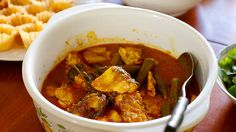 Hot and sour fish curry recipe (gulai tumis ikan) : SBS Food All Recipes Chili, Curry Recipes, Fish Recipes, Asian Recipes, Ethnic Recipes, Indonesian Recipes, Asian Foods, Chilli Dish, Malaysian Food