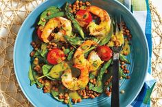 Fresh tarragon is an often overlooked herb, but it pairs perfectly with lentils, shrimp and asparagus. This salad is also wonderful cold; just cook and cool the shrimp before tossing with the salad. Lentil Recipes, Fish Recipes, Lunch Recipes, Seafood Recipes, Vegetarian Recipes, Cooking Recipes, Healthy Recipes, Healthy Eats, Meal Recipes