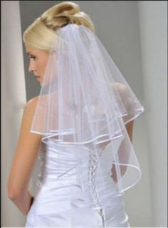 Neu-Lang-2T-weisse-Hochzeits-Brautschleier-Ellenbogen-Laenge-Satin-Rand-mit-Kamm