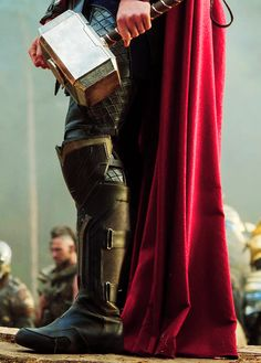 Thor : The Dark World. via : http://asdfghjkl-postsblr.tumblr.com/post/55743807253